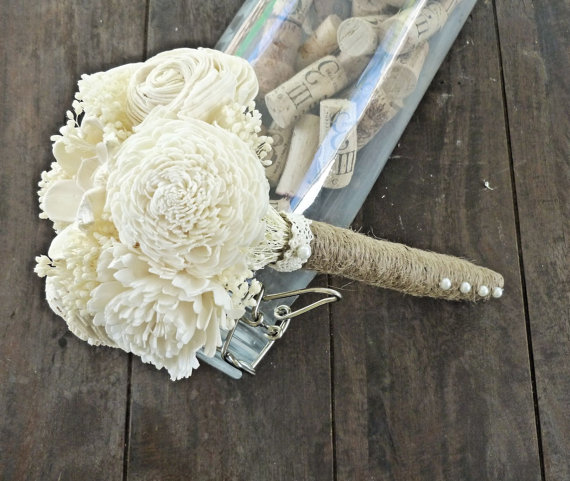 ivory toss bouquet (by Curious Crafts)