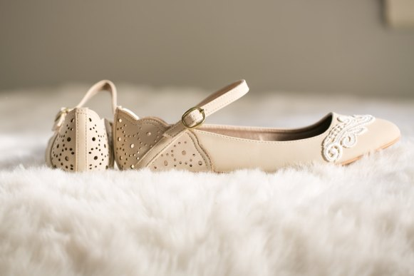 stone flats wedding shoes for bride | via http://emmalinebride.com/bride/wedding-shoes-for-bride/