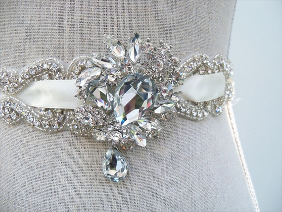 vintage brooches dress sash