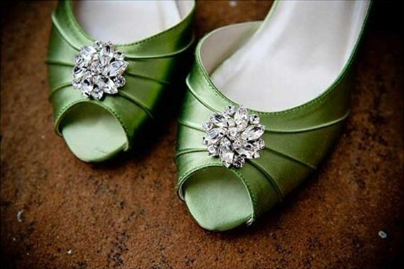 vintage brooches shoe clips