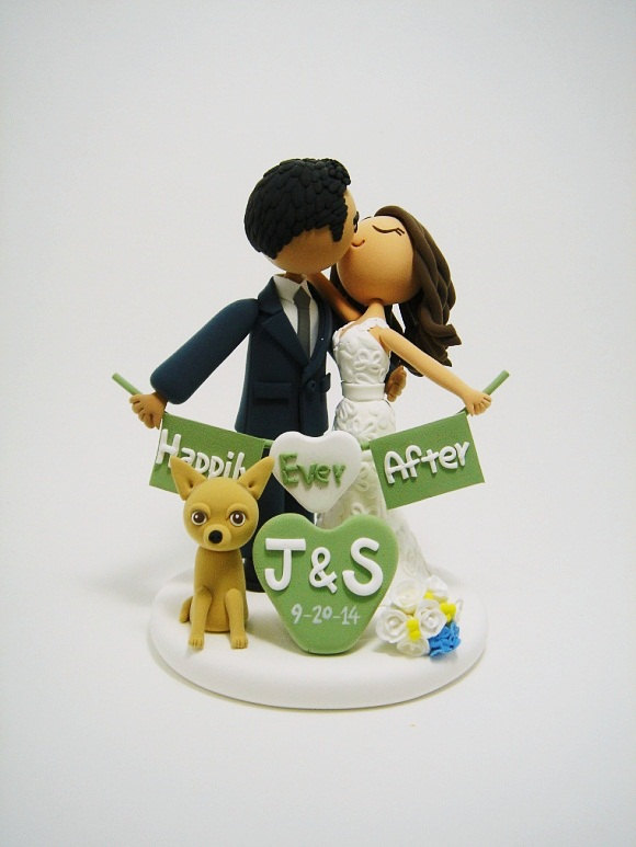 wedding-cake-topper-with-dog-clayphory