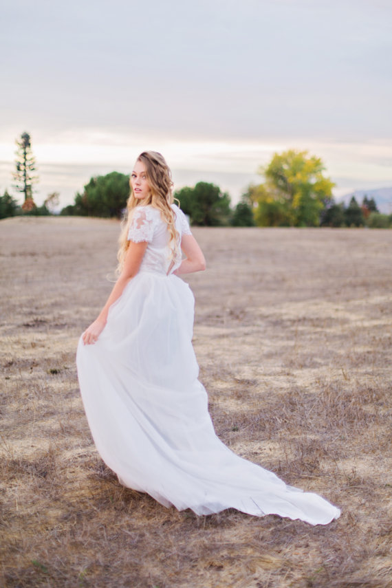 {Boho} Wedding Gown with Short Lace Sleeves