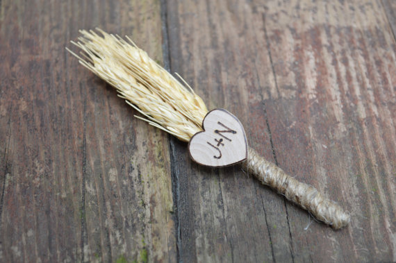 wheat boutonniere for rustic wedding | via What Kind of Boutonniere to Pick (and Why) http://emmalinebride.com/groom/what-kind-of-boutonniere/
