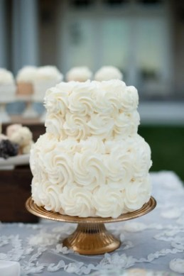15 Simple but Elegant Wedding Cakes for 2018   EmmaLovesWeddings simple but elegant ruffled wedding cake