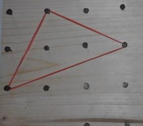 triangolo rettangolo con i veritici nei nodi 1