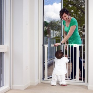 baby-dan-premier-60114-white-with-extension-mother-and-child__52713.1467722397.1280.1280