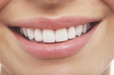 ladies teeth
