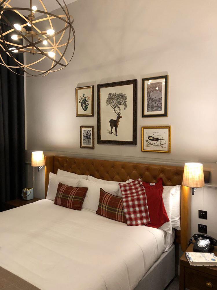 bedroom in de vere hotel