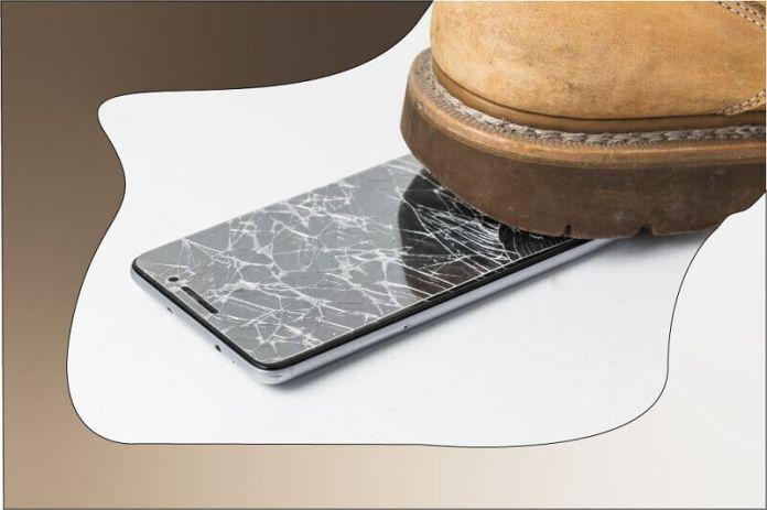 shoe cracking phone screen
