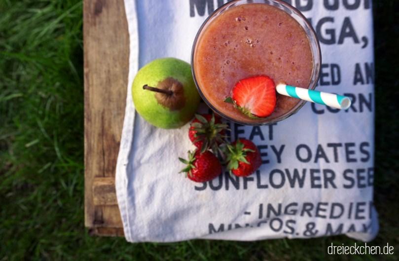 05_smoothie-sunday_birne-erdbeer-smoothie