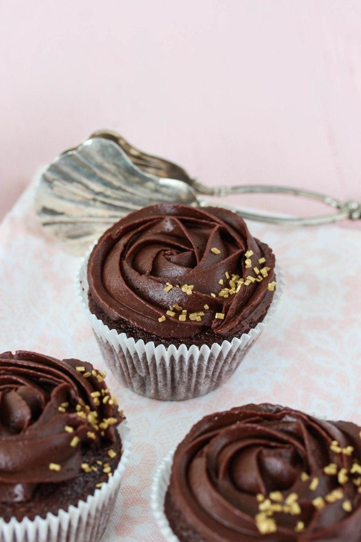 Schoko-Rosen-Cupcakes-3
