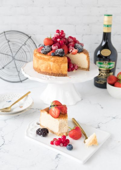Cheesecake mit Beeren und Irish Cream Liqueur