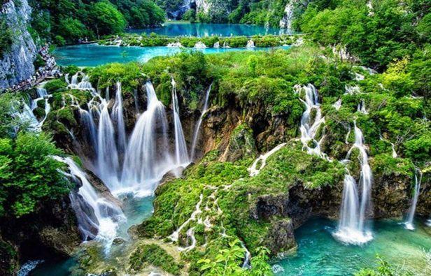 Plitvice-Lakes-National-Park-Croatia-–-Location-Entrance-Fee-Facts-Waterfalls-Lakes