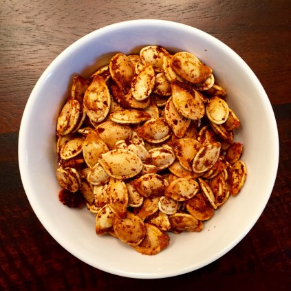 the final product: roasted pumpkin seeds