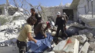 la-defense-civile-secours-des-civils-suite-aux-bombardement-de-larmee-russe-sur-le-village-de-hass-26-morts-dont-11-enfants-26-10-2016