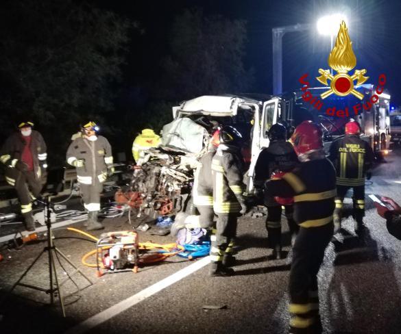 Vigili del Fuoco, incidente sulla Palermo-Catania: un morto