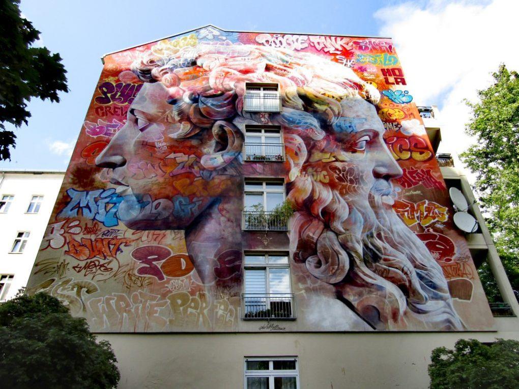 Street art Kreuzberg: i volti di giano
