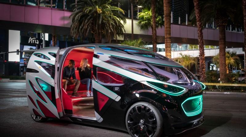 Beitragsbild, Mercedes-Benz Vision URBANETIC auf dem Las Vegas Strip.