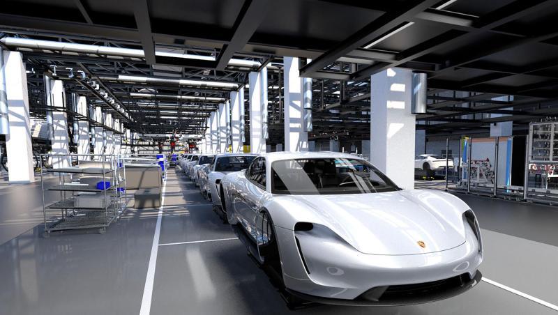 Porsche Taycan - 1 - Elektroauto, 600 PS, Zwei Motoren, Preis ab 75.000 € - Foto Porsche (3)