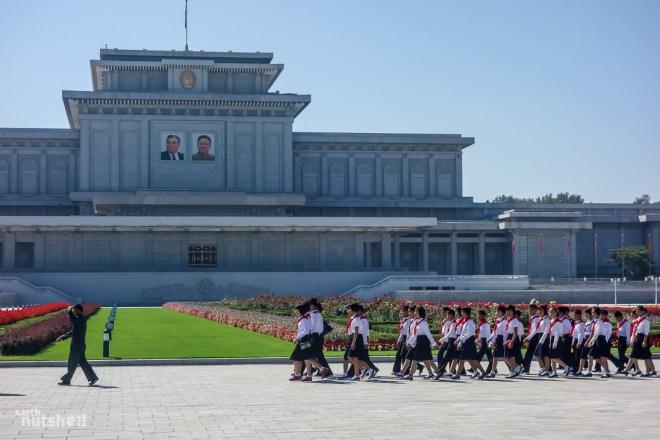 103-mausoleum-schoolchildren