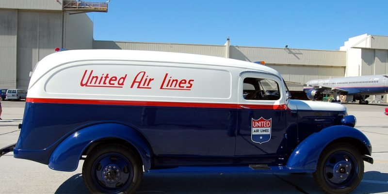Old United truck