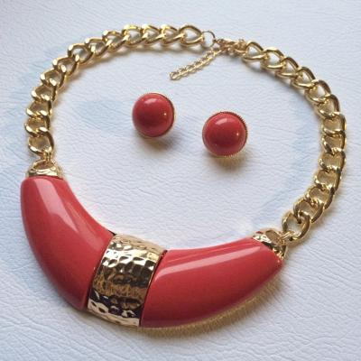 Chunky earthy red and gold choker and earring set