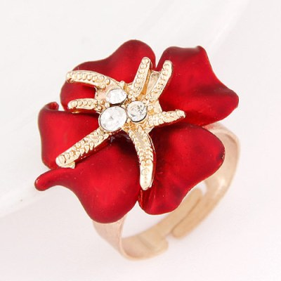 Gold floral ring in red