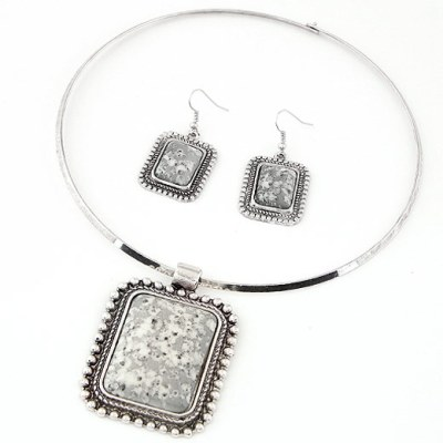 Large resin square gem set in silver choker and earring set in grey