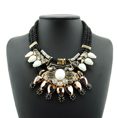 Graciana statement necklace white