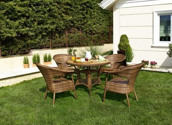 cleaning patio furniture 8 dos and don