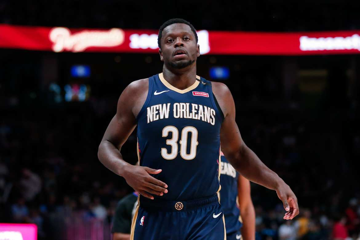 New York Knicks sign Julius Randle.