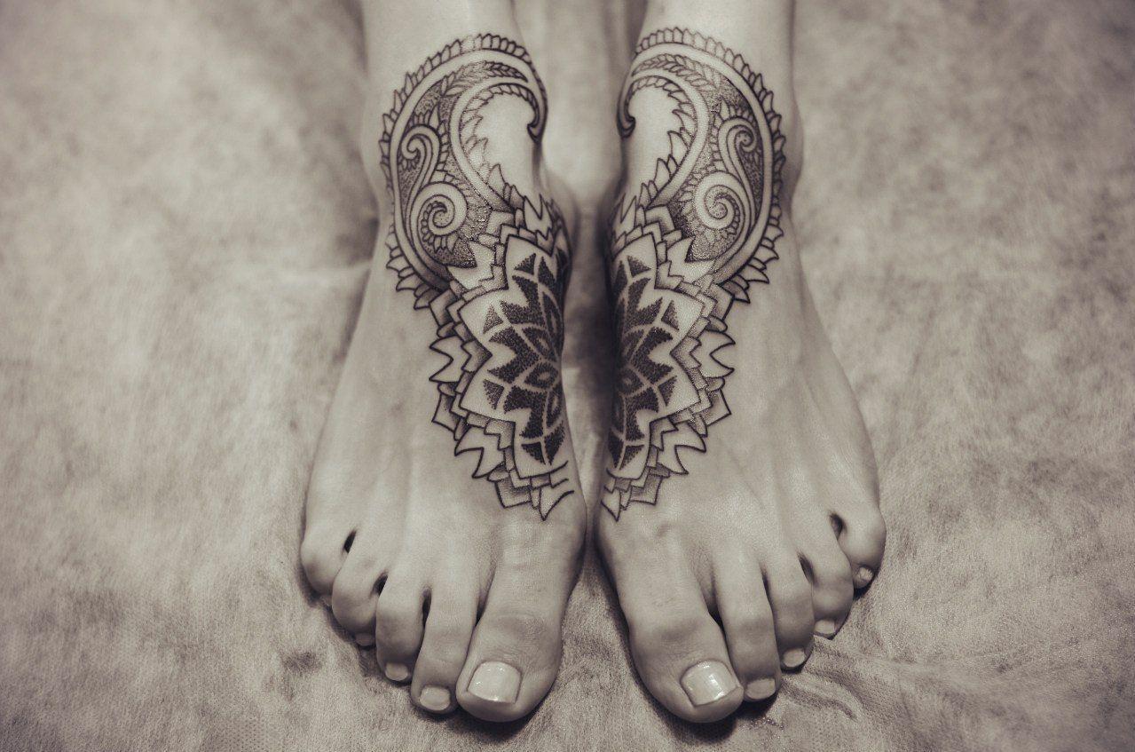 Bein frauen tattoos Tattoo Bein