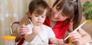 canguro niñera empleada del hogar para cuidado de niños babysitter