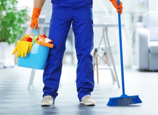 personal de limpieza cleaning staff janitor empleado de limpieza operario cleaning employee couple cleaning service company