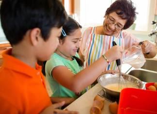 niñera ama de casa empleada del hogar babysitter nanny canguro