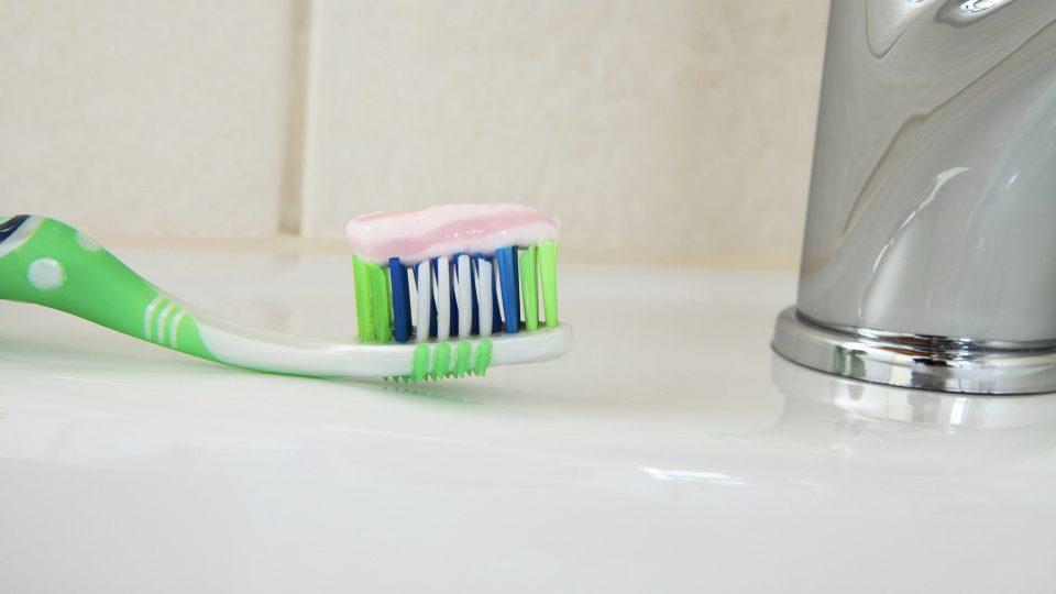 Is Sodium Lauryl Sulfate (SLS) in Toothpaste Safe?