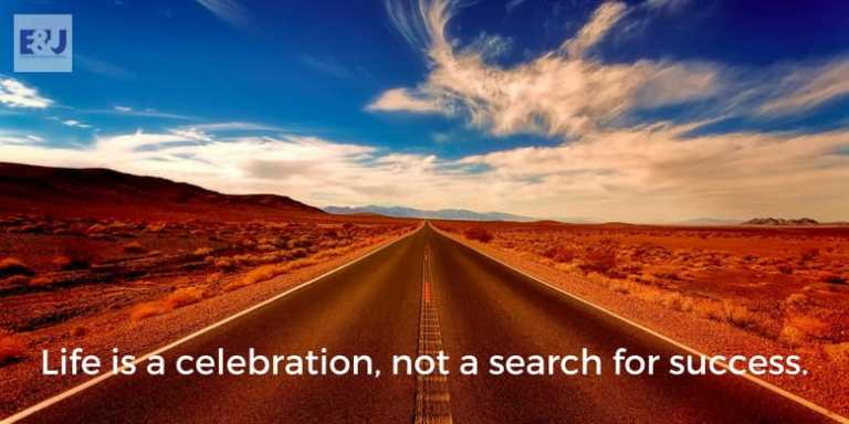 Motivational Blogger Sara Russell Post Image
