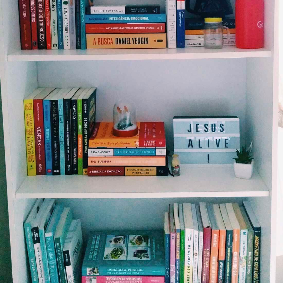 estante de livros - organização funcional