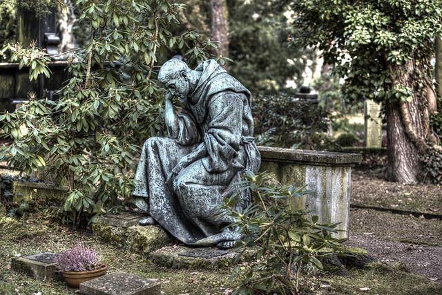 cemetery-2916685_640