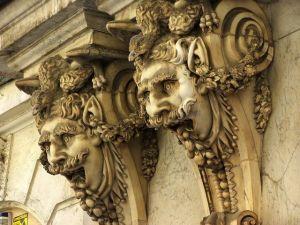 Cámara de Comercio de Cádiz. Por Tomas Aceytuno vía http://www.freeimages.com