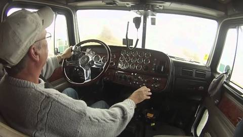 A Guide on How to Drive a Stick Shift Truck