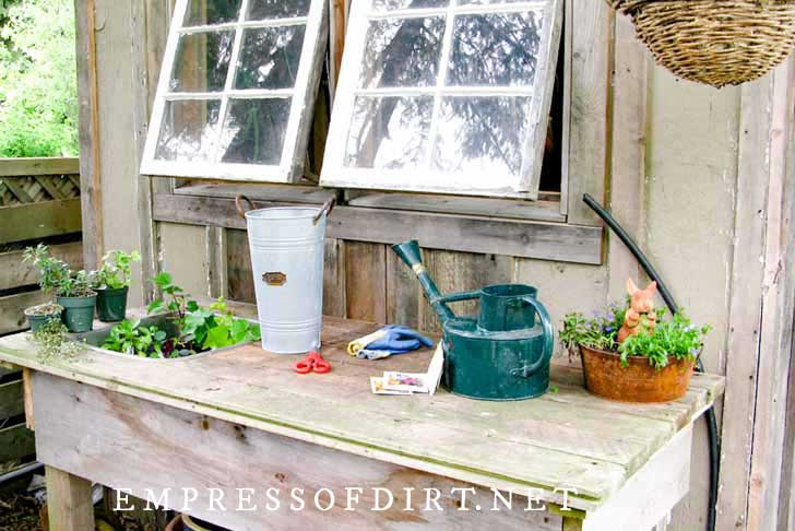 creative and functional potting bench ideas