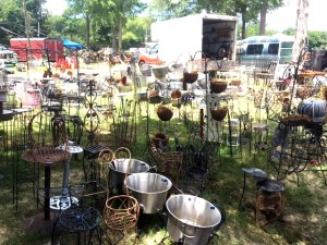 canton, texas, markets, market, flea market, flea markets, plant hangers, plant stand, cooking pot, iron work, wrought iron,