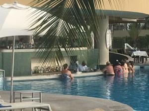 pool bar, beach bar, swim up bar