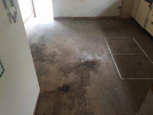 物を撤去した後の空き家