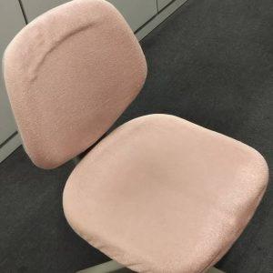 クリーニングした椅子
