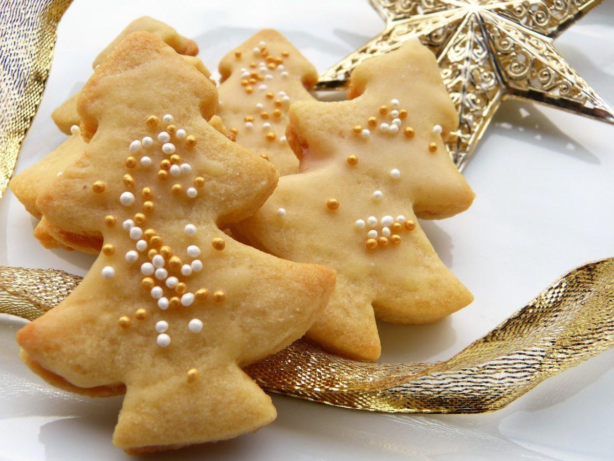 christmas cookies, sugar cookies, decorated cookies, christmas tree cookies