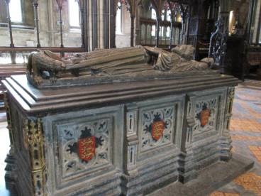 EMREM Summer Trip 2013 - Worcester Cathedral: The tomb and effigy of King John.