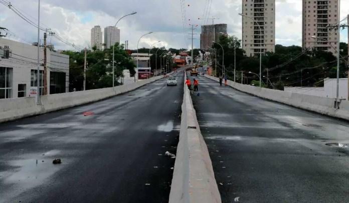Viaduto do plano mobilidade Ribeirão recebe sinalização