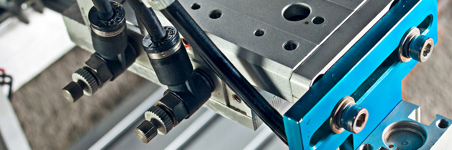 Image of pneumatic robot hand grip represents our motion control products.